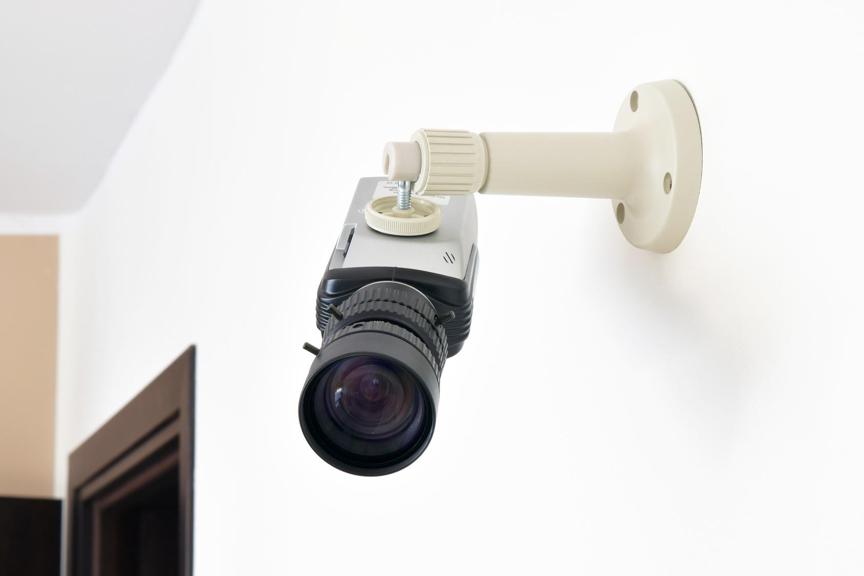 防犯カメラのメリット・デメリット!本物とダミーのどちらを選ぶ?