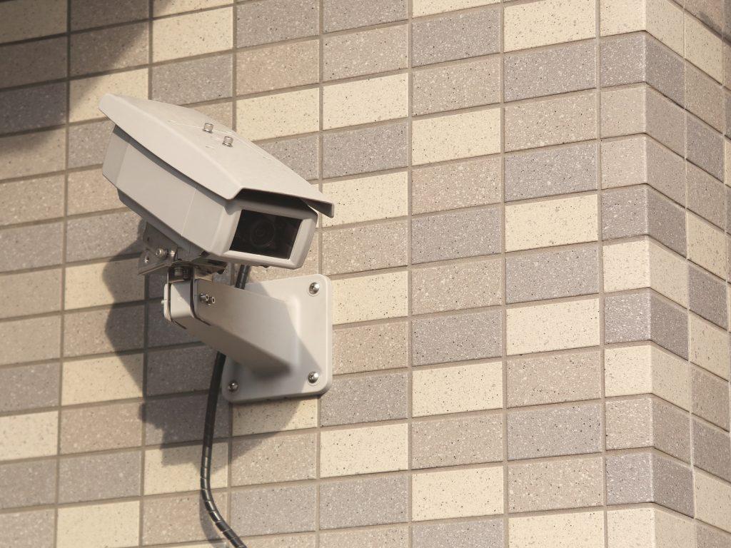 家庭でできる防犯対策!家庭用防犯カメラで狙われにくい家に!