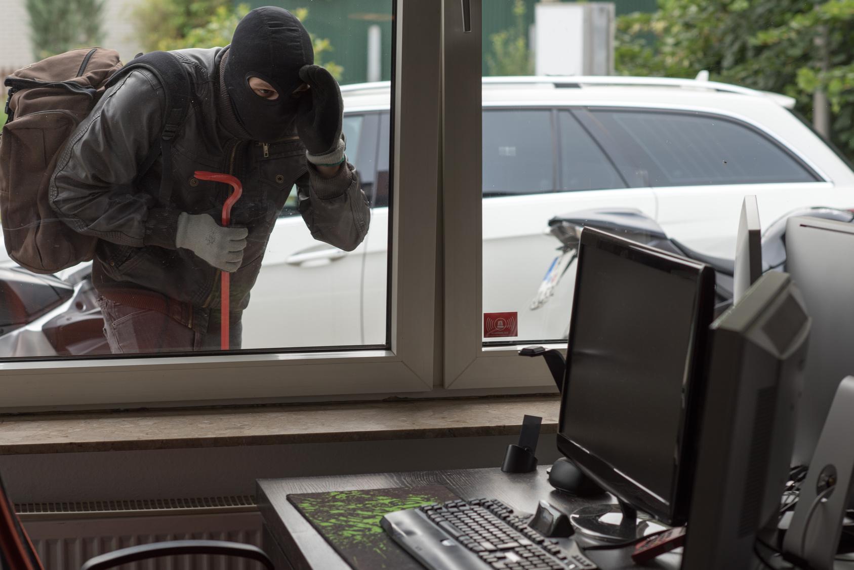 窃盗犯をシャットアウト!会社・事務所の効果的な防犯対策